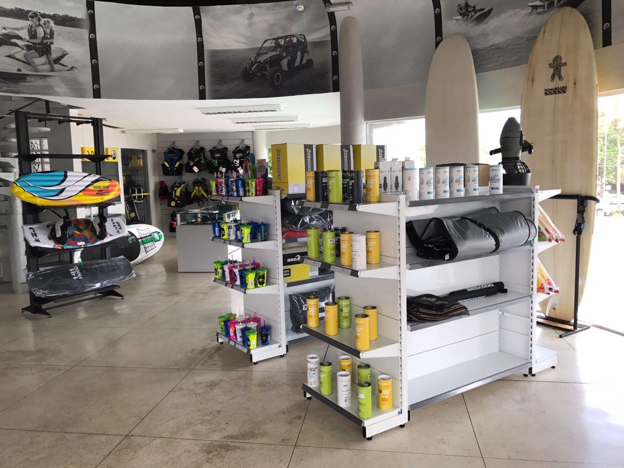 Boutique com loja de conveniências