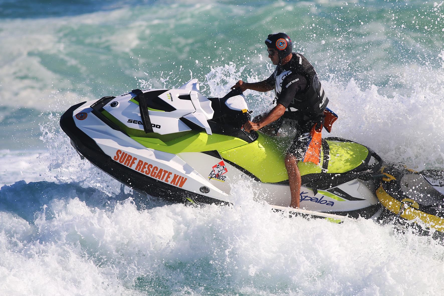 Equipe Surf Resgate e as motos aquáticas Sea-Doo no Rio Pro 2017 Crédito: Jorge Porto